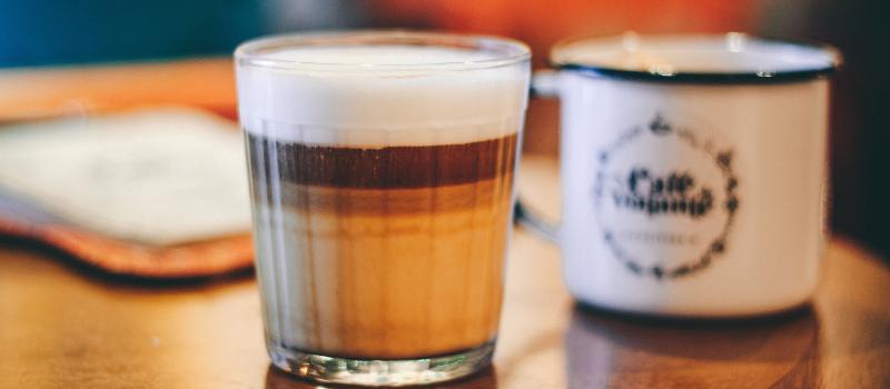 Zelf latte macchiato zetten 800x350px