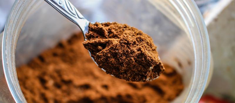 Zelf Koffietaart maken cacao 800x350px