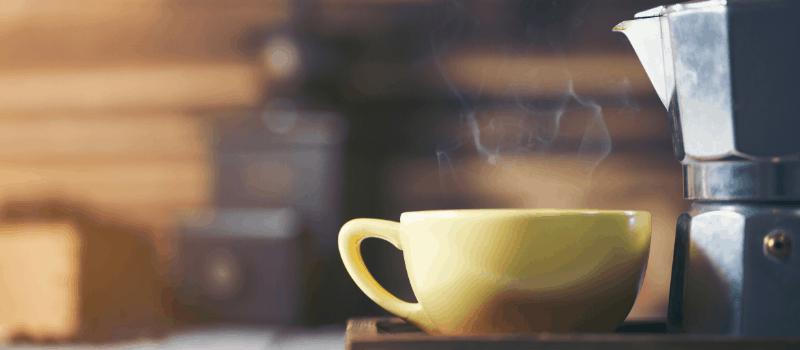 Zo zet je koffie met een grote percolator
